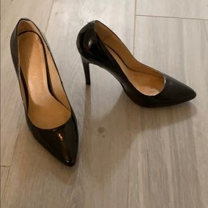 Black pointy toe Heels